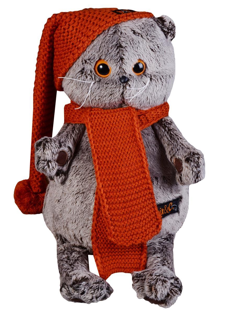 Мягкая игрушка Басик в вязаной шапке и шарфе (25 см)