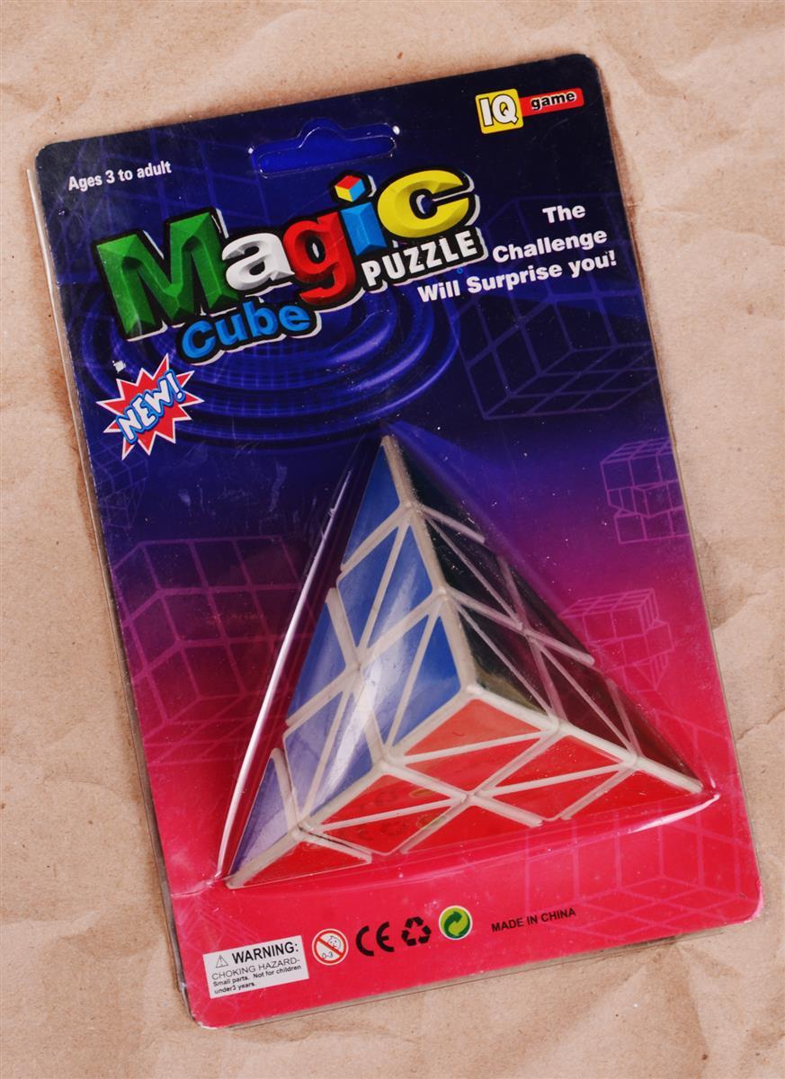 Головоломка Пирамида голограмма (10см) (блистер)