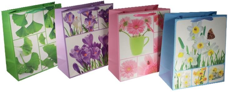 """Пакет подарочный бумажный """"Цветочный колаж"""", А5"""
