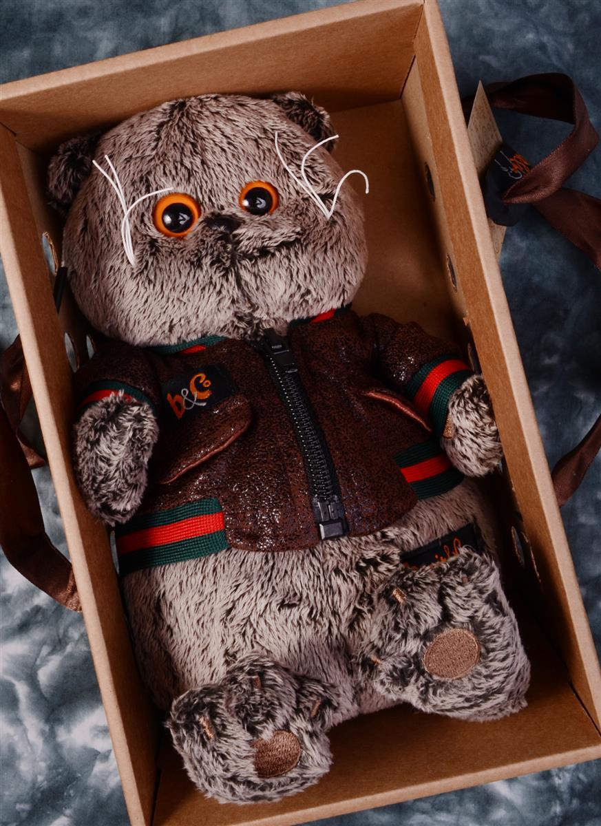 Мягкая игрушка Басик в кожаной куртке (22 см)